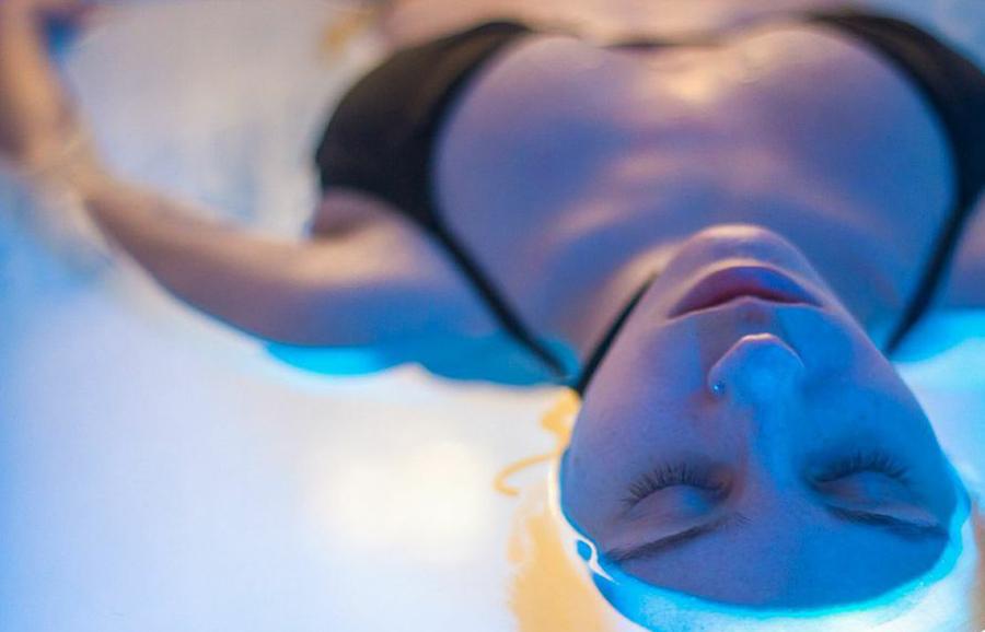 Como reducir el stress flotando sin esfuerzo (terapia de flotación)